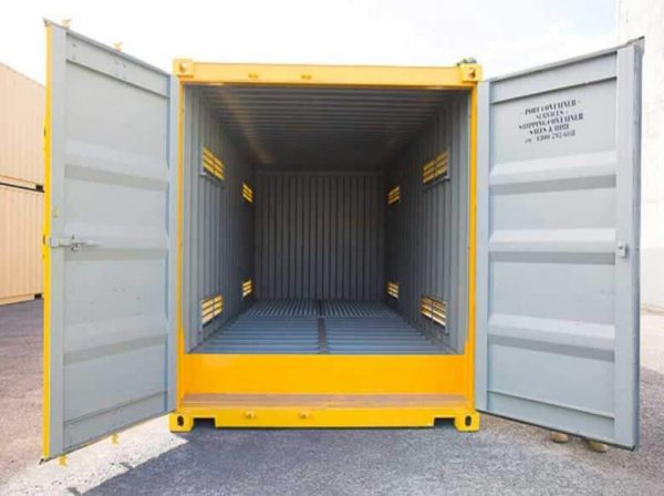 Shipping-Container-Dangerous-007-600x448