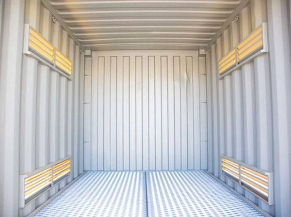 Shipping-Container-Dangerous-008-600x448