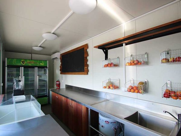 container-cafe-08-600x450