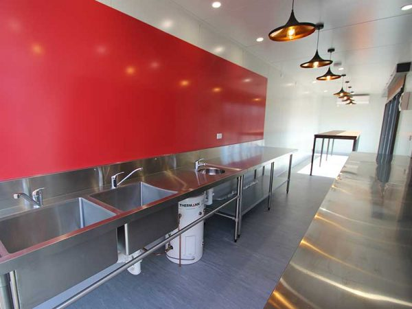 container-cafe-13-600x450
