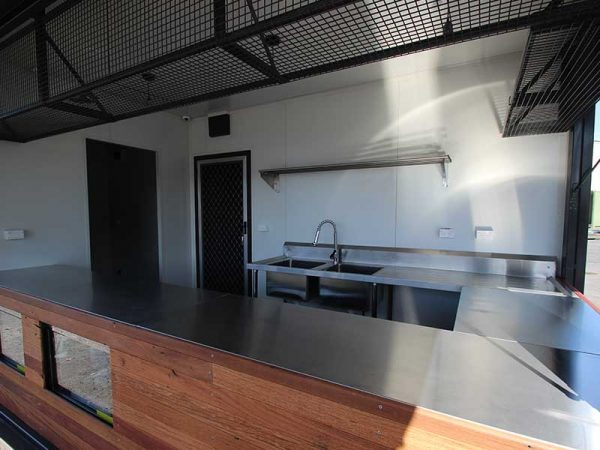 container-cafe-15-600x450