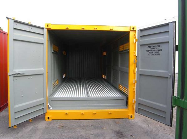 port-dangerous-goods-containers-32-600x448