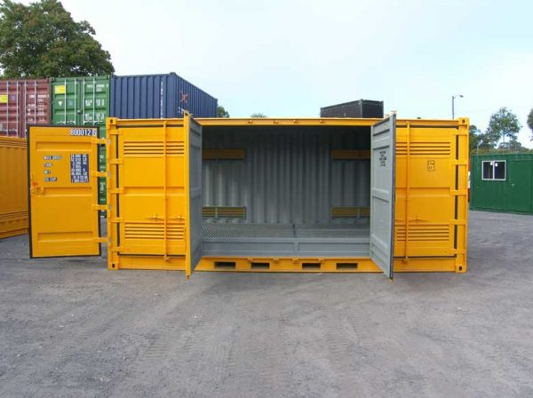 port-dangerous-goods-containers-33-600x448