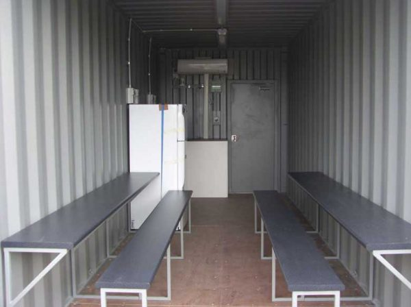 shipping-container-lunch-rooms-006-600x448