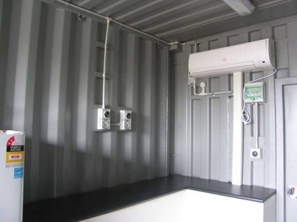 shipping-container-lunch-rooms-007-600x448