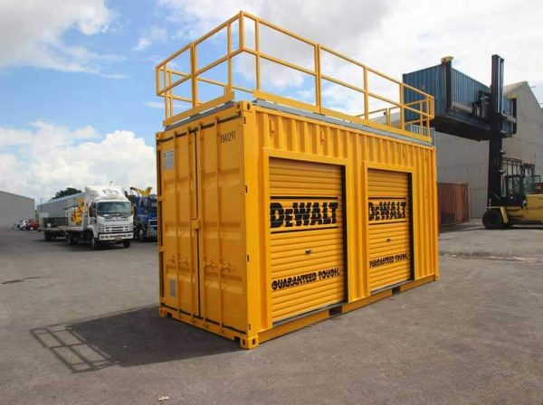 shipping-containers-tradeshow-displays-001-600x448