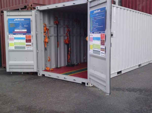 shipping-containers-tradeshow-displays-0011-600x448