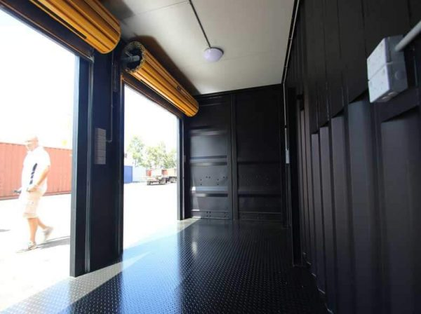 shipping-containers-tradeshow-displays-007-600x448